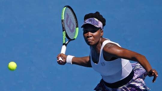 Venus Williams upsets Bertens in Ohio; Serena withdraws