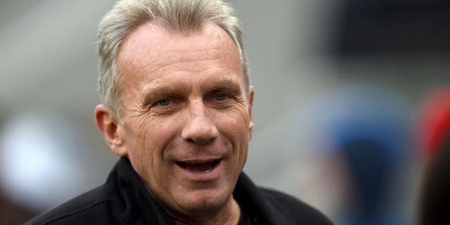 Former San Francisco 49ers quarterback Joe Montana looks on from the sidelines during the NFL game between the San Francisco 49ers and the Cincinnati Bengals at Levi's Stadium in Santa Clara, Calif., Dec. 20, 2015. (Getty Images)
