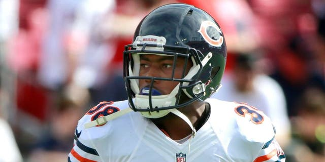 Dec 27, 2015; Tampa, FL, USA; Chicago Bears free safety Adrian Amos (38) against the Tampa Bay Buccaneers works out prior to the game at Raymond James Stadium. Mandatory Credit: Kim Klement-USA TODAY Sports