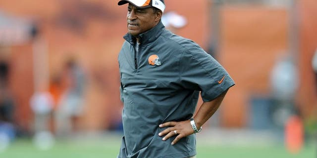 BEREA, OHIO - JULY 29, 2013: Defensive coordinator Ray Horton of the Cleveland Browns stands on the field during practice at the Cleveland Browns Headquarters in Berea, Ohio on July 29, 2013. (Photo by David Dermer/Diamond Images/Getty Images)