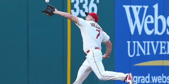 ST. LOUIS, MO - JULY 25: Matt Holliday #7 of the St. Louis Cardinals catches a fly ball against the Atlanta Braves in the first inning at Busch Stadium on July 25, 2015 in St. Louis, Missouri. (Photo by Dilip Vishwanat/Getty Images)