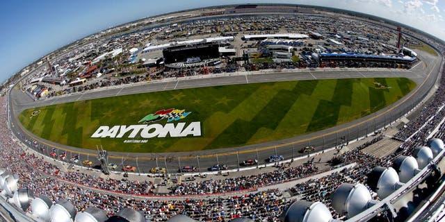 DAYTONA BEACH, FL - FEBRUARY 22: A general view of cars racing the NASCAR Sprint Cup Series 57th Annual Daytona 500 at Daytona International Speedway on February 22, 2015 in Daytona Beach, Florida. (Photo by Jeff Zelevansky/NASCAR via Getty Images)