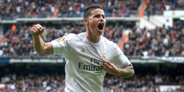 MADRID, SPAIN - FEBRUARY 13: James Rodriguez of Real Madrid CF celebrates scoring their second goal during the La Liga match between Real Madrid CF and Athletic Club at Estadio Santiago Bernabeu on February 13, 2016 in Madrid, Spain. (Photo by Gonzalo Arroyo Moreno/Getty Images)