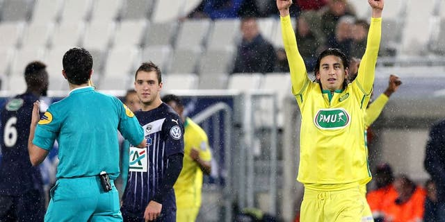 BORDEAUX, FRANCE - FEBRUARY 10: Alejandro Bedoya for FC Nantes after the victory in the French Cup match between FC Girondins de Bordeaux and FC Nantes at Stade Matmut Atlantique at Stade Matmut Atlantique on February 10, 2016 in Bordeaux, France. (Photo by Romain Perrocheau/Getty Images)