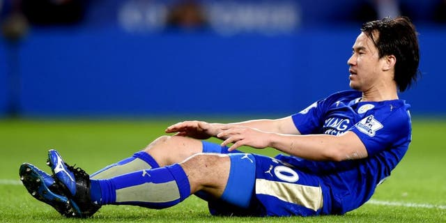LEICESTER, ENGLAND - MARCH 01: Shinji Okazaki of Leicester City reacts after his shot hitting a bar during the Barclays Premier League match between Leicester City and West Bromwich Albion at The King Power Stadium on March 1, 2016 in Leicester, England. (Photo by Michael Regan/Getty Images)