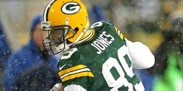 GREEN BAY, WI - DECEMBER 22: James Jones #89 of the Green Bay Packers makes a catch against the Pittsburgh Steelers at Lambeau Field on December 22, 2013 in Green Bay, Wisconsin. The Steelers defeated the Packers 38-31. (Photo by Jonathan Daniel/Getty Images) *** Local Caption *** James Jones