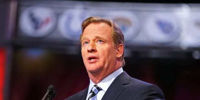 NEW YORK, NY - APRIL 25: NFL Commissioner Roger Goodell speaks at the podium in the first round of the 2013 NFL Draft at Radio City Music Hall on April 25, 2013 in New York City. (Photo by Al Bello/Getty Images)