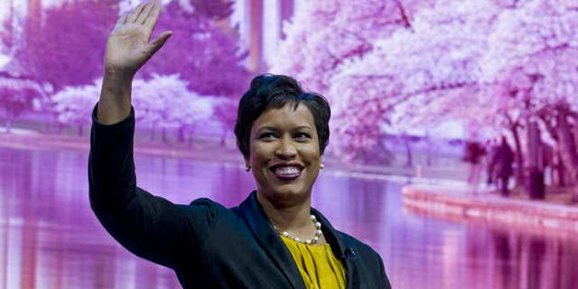 Washington, DC, Mayor Muriel Bowser waves to the crowd before speaking at the American Israel Public Affairs Committee (AIPAC) Policy Conference at the Verizon Center in Washington, Sunday, March 26, 2017.