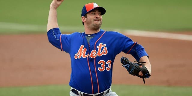 at Roger Dean Stadium on March 13, 2016 in Jupiter, Florida.,JUPITER, FL - MARCH 13: Matt Harvey #33 of the New York Mets throws a pitch during a spring training game against the Miami Marlins at Roger Dean Stadium on March 13, 2016 in Jupiter, Florida. (Photo by Stacy Revere/Getty Images)
