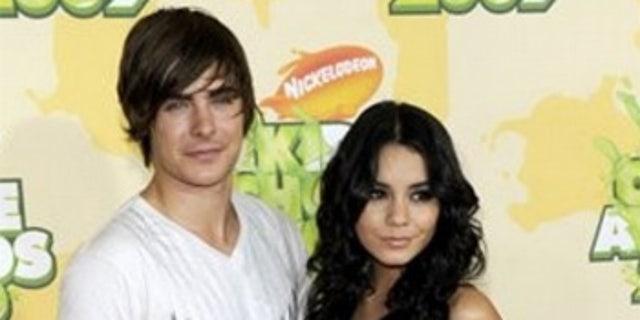 Zac Efron and Vanessa Hudgens at the 2009 Kids' Choice Awards