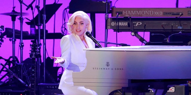 Lady Gaga will perform at the 2018 Grammys.