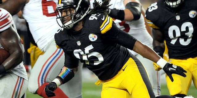 PITTSBURGH, PA - AUGUST 10: Linebacker Jarvis Jones #95 of the Pittsburgh Steelers pursues running back Andre Brown #35 of the New York Giants during a preseason game at Heinz Field on August 10, 2013 in Pittsburgh, Pennsylvania. The Giants defeated the Steelers 18-13. (Photo by George Gojkovich/Getty Images)