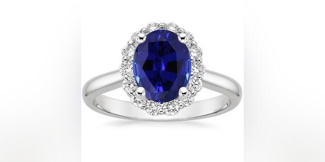 The Lotus Flower Diamond Ring looks much like Kate Middleton's famous sparkler.