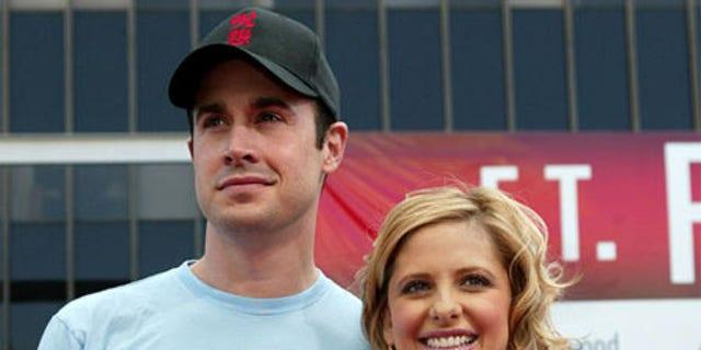 Freddie Prinze Jr. and Sarah Michelle Geller tied the knot in 2002.