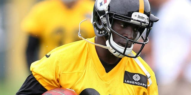 May 26, 2015; Pittsburgh, PA, USA; Pittsburgh Steelers cornerback Senquez Golson (27) participates in OTA drills at the UPMC Sports Performance Complex. Mandatory Credit: Charles LeClaire-USA TODAY Sports