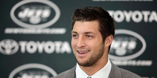 The Miami Dolphins reportedly considered signing current New York Mets minor league outfielder Tim Tebow before agreeing to a one-year, $10 million deal with free agent Jay Cutler on Sunday.