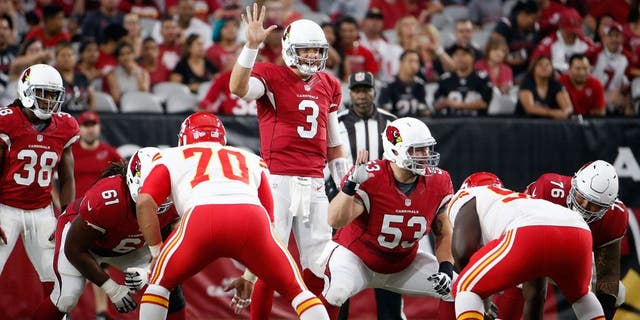 GLENDALE, AZ - AUGUST 15: Quarterback Carson Palmer #3 of the Arizona Cardinals prepares to snap the football during the pre-season NFL game against the Kansas City Chiefs at the University of Phoenix Stadium on August 15, 2015 in Glendale, Arizona. (Photo by Christian Petersen/Getty Images)