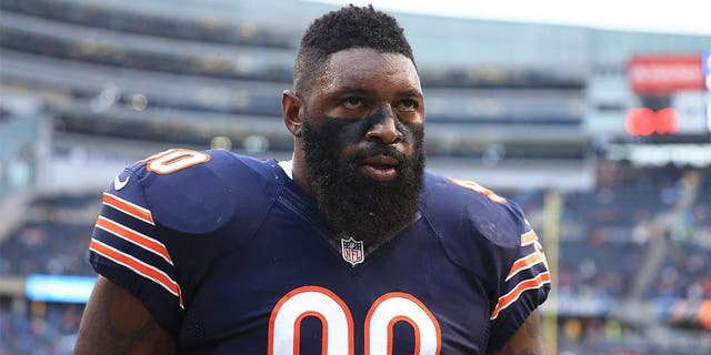 Dec 21, 2014; Chicago, IL, USA; Chicago Bears defensive tackle Jeremiah Ratliff (90) against the Detroit Lions at Soldier Field. The Lions defeated the Bears 20-14. Mandatory Credit: Andrew Weber-USA TODAY Sports