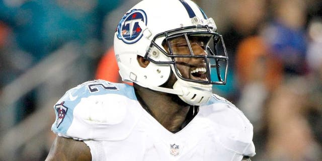 Dec 18, 2014; Jacksonville, FL, USA; Tennessee Titans tight end Delanie Walker (82) talks against the Jacksonville Jaguars during the second quarter at EverBank Field. Mandatory Credit: Kim Klement-USA TODAY Sports