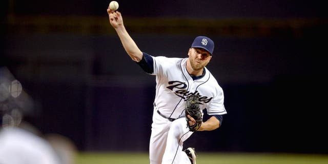 SAN DIEGO, CA - AUGUST 22: Shawn Kelly #56 of the San Diego Padres pitches during the game against the St Louis Cardinals at Petco Park on August 18, 2015 in San Diego, California. (Photo by Andy Hayt/San Diego Padres/Getty Images)