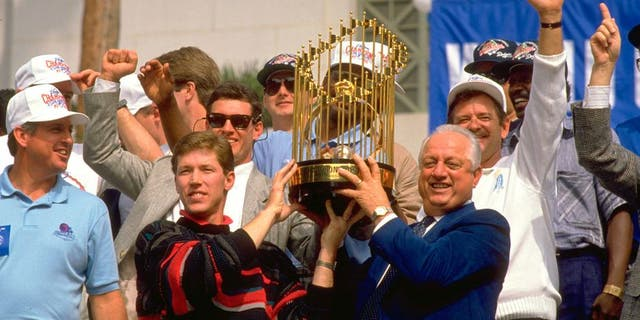 Tommy Lasorda celebrates the 1988 Dodgers' World Series win (Getty Images)