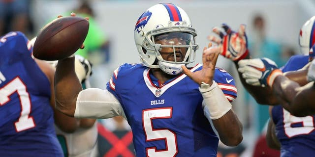 MIAMI GARDENS, FL - SEPTEMBER 27: Tyrod Taylor #5 of the Buffalo Bills passes during a game against the Miami Dolphins at Sun Life Stadium on September 27, 2015 in Miami Gardens, Florida. (Photo by Mike Ehrmann/Getty Images)