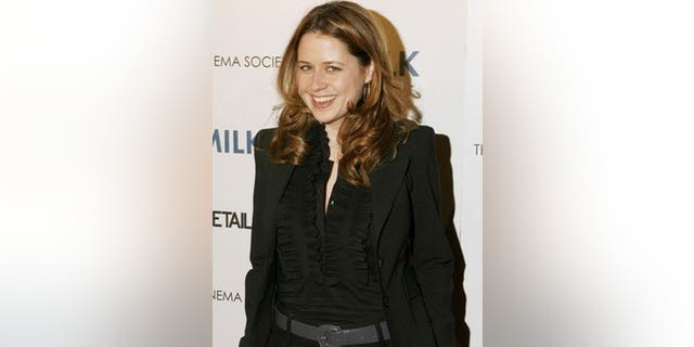 Jenna Fischer says movies make you look more attractive than you actually are. No!