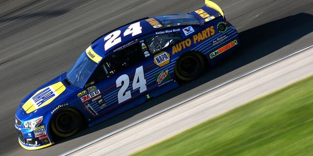 JOLIET, IL - SEPTEMBER 18: Chase Elliott drives the #24 NAPA Auto Parts Chevrolet during the NASCAR Sprint Cup Series Teenage Mutant Ninja Turtles 400 at Chicagoland Speedway on September 18, 2016 in Joliet, Illinois. (Photo by Sarah Crabill/Getty Images)