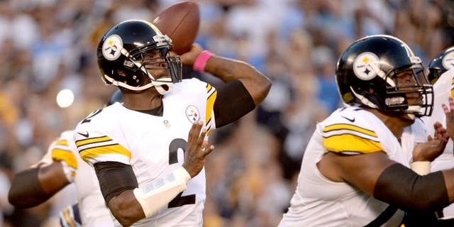 SAN DIEGO, CA - OCTOBER 12: Quarterback Mike Vick #2 of the Pittsburgh Steelers looks to pass against the San Diego Chargers defense at Qualcomm Stadium on October 12, 2015 in San Diego, California. (Photo by Donald Miralle/Getty Images)
