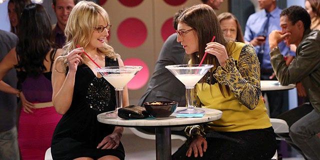 """Mayim Bialik and Melissa Rauch in """"The Big Bang Theory."""""""