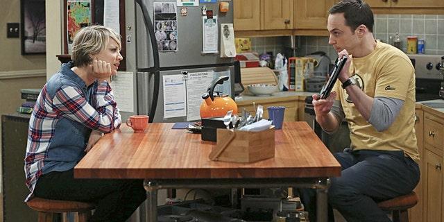 Kaley Cuoco-Sweeting and Jim Parsons in 'The Big Bang Theory' (Michael Yarish/Warner Bros. Entertainment Inc.)