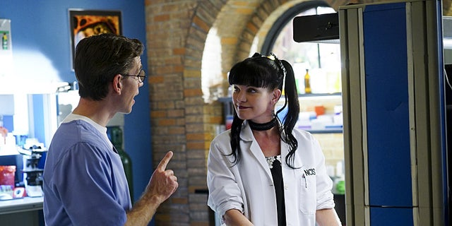 """Reasonable Doubts"" -- The NCIS team must ascertain who is lying, the wife or the mistress, after the women accuse each other of murdering a Navy Public Affairs officer, on NCIS, Tuesday, March 22 (8:00-9:00 PM, ET/PT), on the CBS Television Network. Pictured left to right: Brian Dietzen and Pauley Perrette Photo: Monty Brinton/CBS ©2016 CBS Broadcasting, Inc. All Rights Reserved"