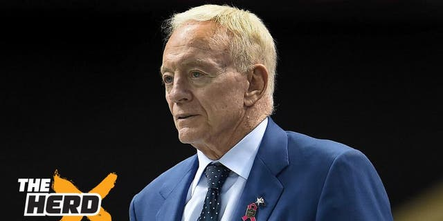 NEW ORLEANS, LA - OCTOBER 04: Owner of the Dallas Cowboys Jerry Jones watches from the sidelines during the first quarter against the New Orleans Saints at Mercedes-Benz Superdome on October 4, 2015 in New Orleans, Louisiana. (Photo by Stacy Revere/Getty Images)