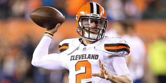 CINCINNATI, OH - NOVEMBER 5: Johnny Manziel #2 of the Cleveland Browns warms up prior to the start of the game against the Cincinnati Bengals at Paul Brown Stadium on November 5, 2015 in Cincinnati, Ohio. (Photo by Andy Lyons/Getty Images)