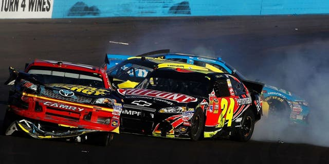 during the NASCAR Sprint Cup Series AdvoCare 500 at Phoenix International Raceway on November 11, 2012 in Avondale, Arizona.