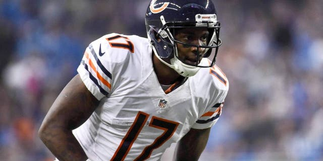 Oct 18, 2015; Detroit, MI, USA; Chicago Bears wide receiver Alshon Jeffery (17) during the game against the Detroit Lions at Ford Field. Mandatory Credit: Tim Fuller-USA TODAY Sports