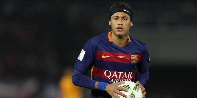 YOKOHAMA, JAPAN - DECEMBER 20: Neymar of FC Barcelona during the FIFA Club World Cup Final Match between FC Barcelona and River Plate at International Stadium Yokohama on December 20, 2015 in Yokohama, Japan. (Photo by Matthew Ashton - AMA/Getty Images)