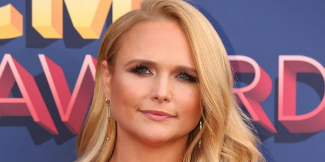 Miranda Lambert cried on stage while performing live for the first time in over a year.