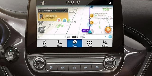 Ford's Sync3 infotainment system can mirror the Waze app on its display.