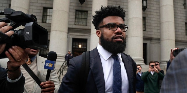 Ezekiel Elliott gave up his legal fight and will begin serving his suspension.