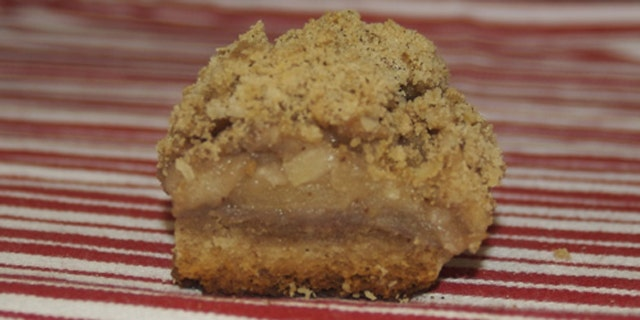 Patti Davis' Apple Crisp Bar