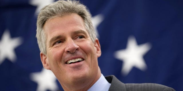 Former Republican Sen. Scott Brown, appears at the Northeast Republican Leadership Conference in Nashua, N.H., March 14, 2014. (REUTERS/Gretchen Ertl)