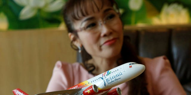 Nguyen Thi Phuong Thao, the president of VietJet, apologized for the performance.