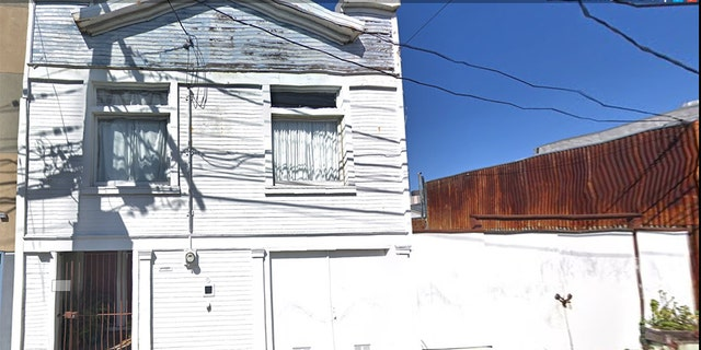 The body was found in this home at 228 Clara Street in San Francisco.