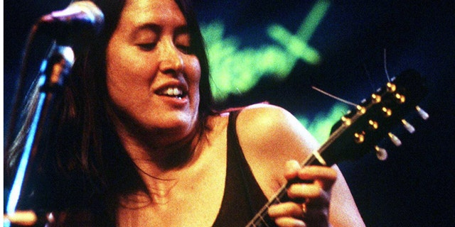 The American singer Michelle Shocked entertains the audience at the jazz festival of Montreux on July 11, 1995.