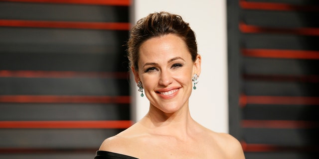 Jennifer Garner will star in a new TV project from Lena Dunham and Jenni Konner.