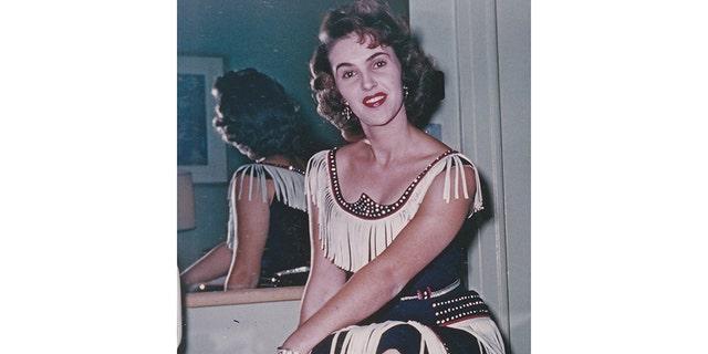 Wanda Jackson stirred headlines with her body-hugging dresses.
