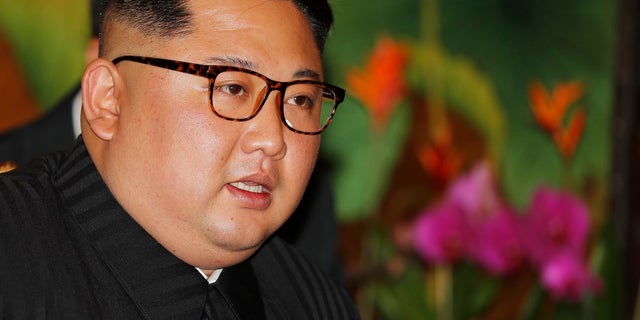 Upon arriving in Singapore, North Korean leader Kim Jong Un met with Singapore's prime minister.