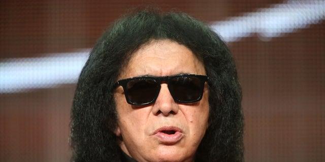 Un autre membre du légendaire groupe de rock Kiss a été testé positif au COVID-19.