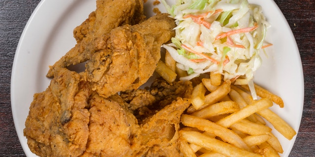 Overview of the fried chicken meal